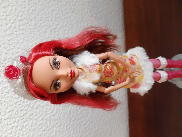 Ever After High Rosabella Beauty wersja zimowa