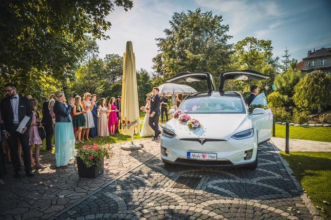 Tesla Model X Biała skóra, wynajem, ślub i wesele, auto, Love, Dym,