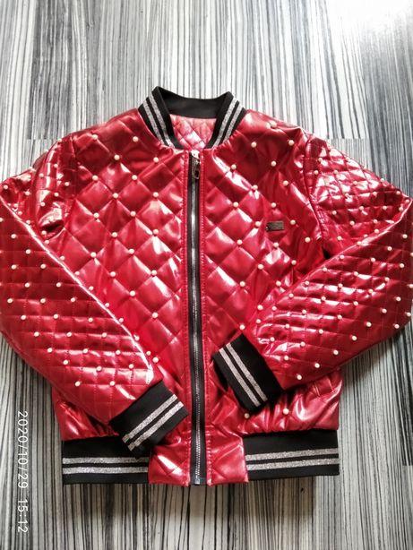 Женская куртка..