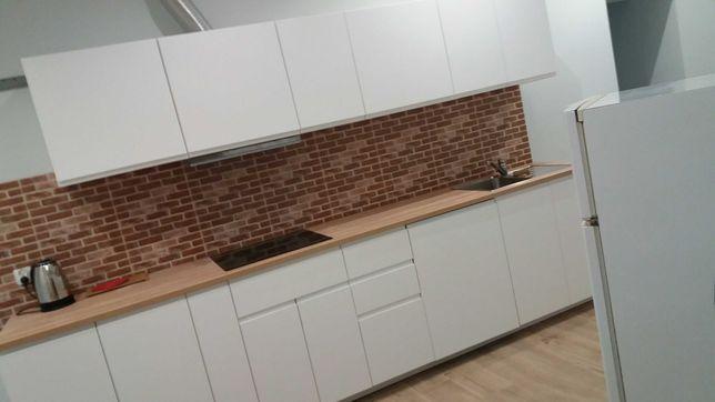 Mieszkanie 96 m2 koło pl. Bema . 6 pokoi. Dwie łazienki, dwie Kuchnie.