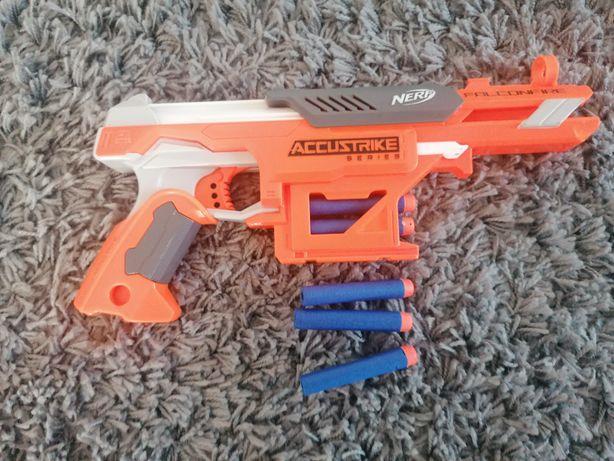 Nerf accustrike + strzałki