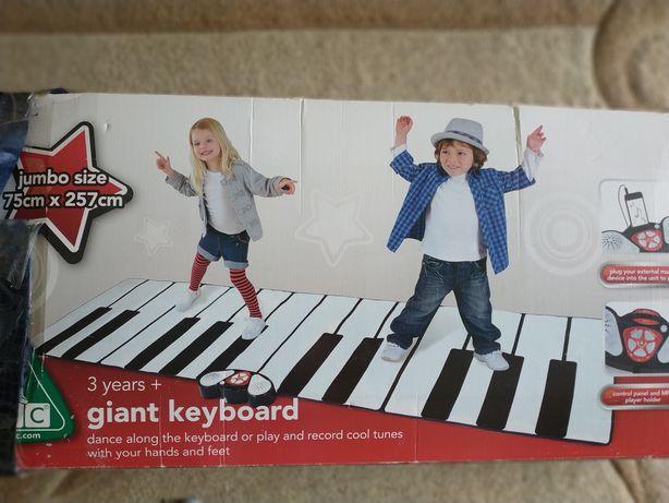 Музикальна доріжка, піаніно