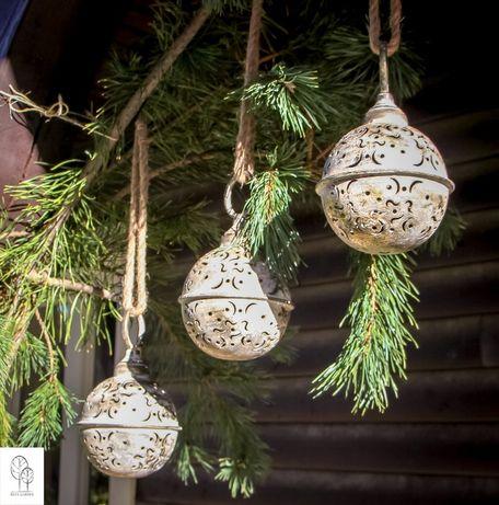 Dzwonek z wyciętymi wzorami - dekor świąteczny do domu i ogrodu