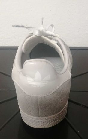 Ténis da marca Adidas - Gazelle