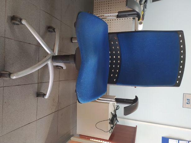 Fotele biurowe obrotowe