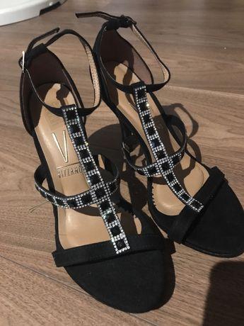 Nowe sandaly damskke vizzano