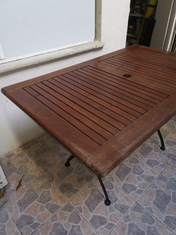 Mesa em Madeira maciça para jardim IKEA