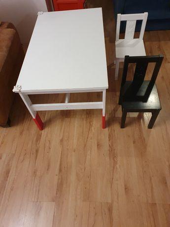 Biurko stolik dziecięcy z krzesełkami