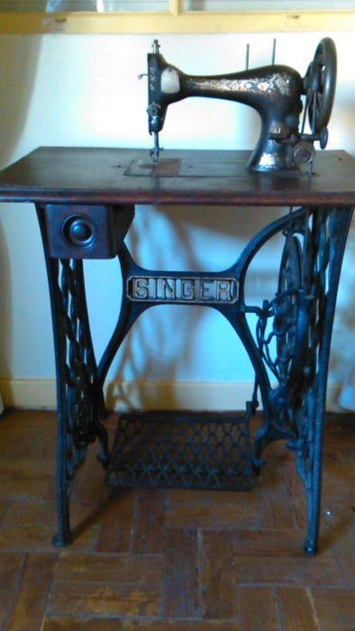 Máquina de costura Singer Antiga Buarcos - imagem 1