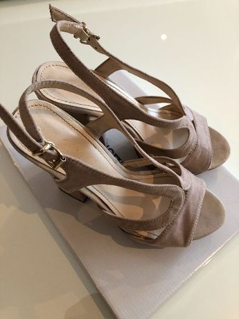Sandálias rosa nude da Haity - tamanho 37