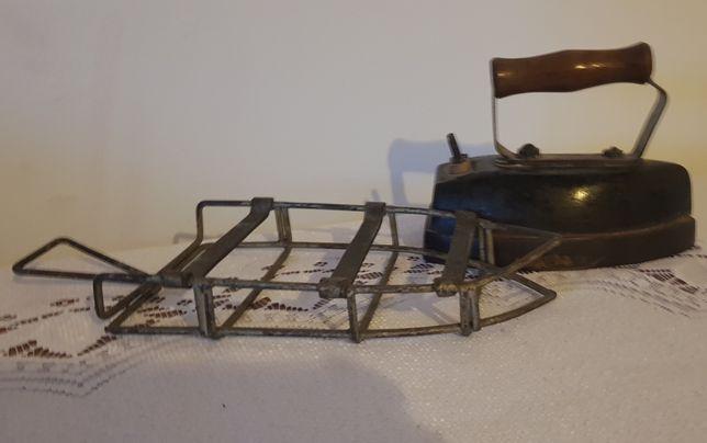 Stare zelazko elektryczne z podstawka prl vintage lata 50-60