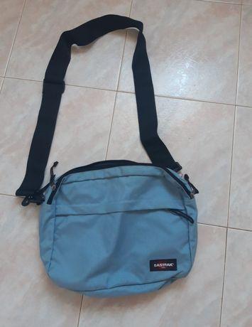 Vendo mochila Eastpack original ( Portes oferecidos)