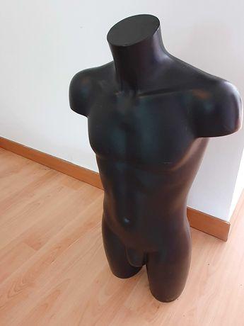 Manequim torso masculino