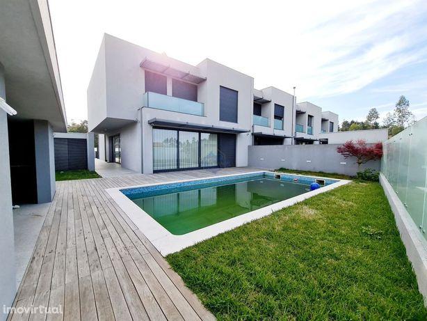 Moradia V4 em Lobão- Mobilada-com piscina