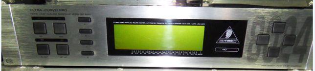 Ultracurve 8024 + mikrofon pomiarowy Behringer