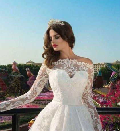 Шикарне весільне плаття