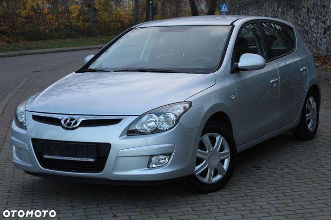 Hyundai I30 1,4 Benzyna 109 KM 142 tys km Klimatronik Grzane Fotele
