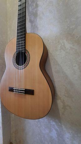 Гитара Yamaha C40M плюс чехол