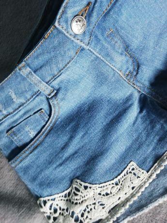 NOWE Jeansowe spodenki z koronką r.34