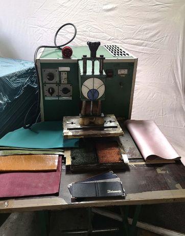 Sprzedam maszyny do produkcji okładek na dokumenty