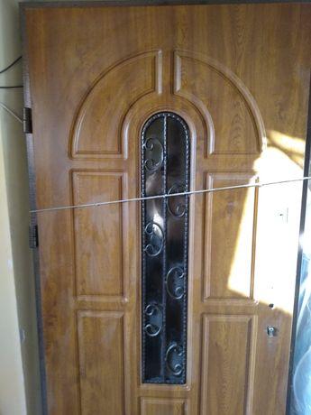 Входная дверь новая