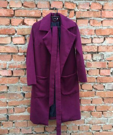 Пальто .Дуже гарне