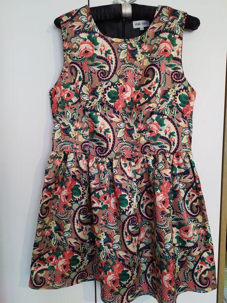 Piękna sukienka w kwiaty r. L