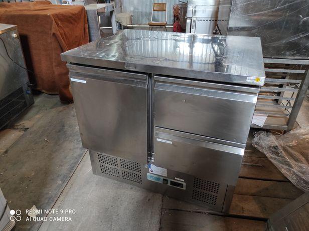 Холодильный стол для  кухни ресторана,кафе,бара.