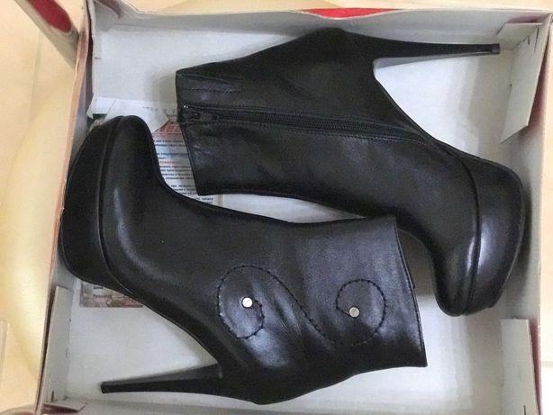 Новые кожаные женские ботинки качество