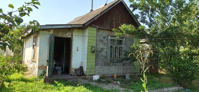 Невеликий будинок дача в Яготині 15 хвилин пішки від вокзалу.