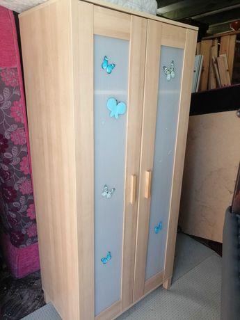 Szafa ubraniowa IKEA z drążkiem i półką