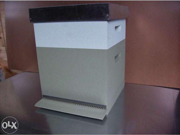 Apicultura - Fabrico de colmeias, nucleos e outros acessórios