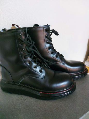 Продам ботинки Alexander McQueen
