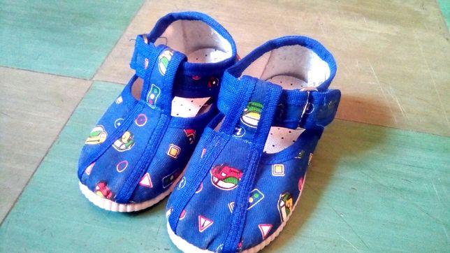 Обувь для мальчика до 2-х лет – кеды, ботинки