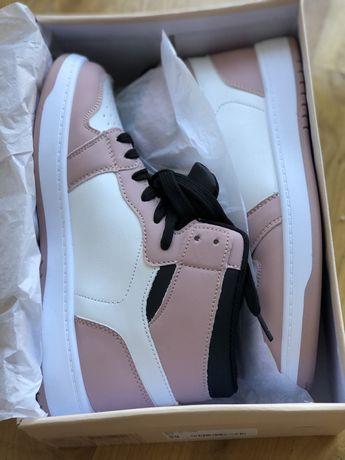 Бело-Розовые Сникерсы