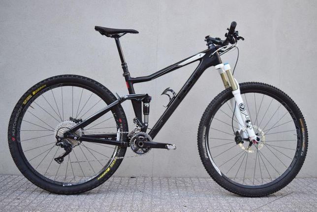 Cube Stereo HPC Bicicleta BTT suspensão total carbono
