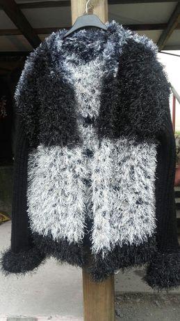 Ciepły sweterek narzuta