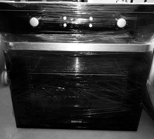 Духовой шкаф Beko