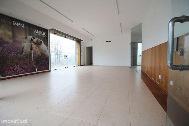Excelente Loja com 82 m2 próxima ao Centro da Cidade.
