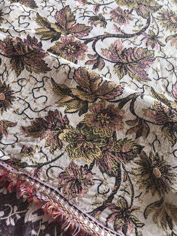 Colcha de seda antiga