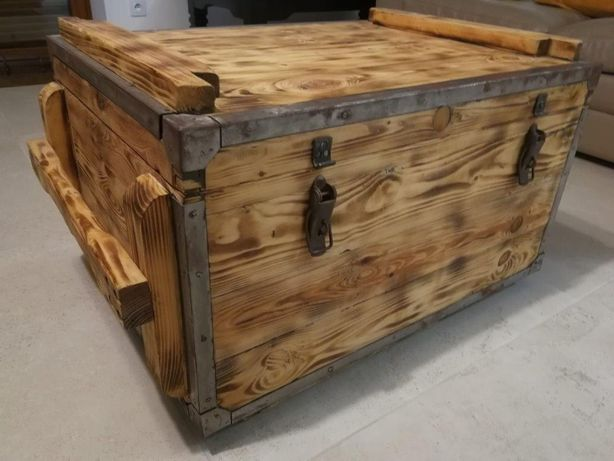 skrzynia drewniana z okuciami