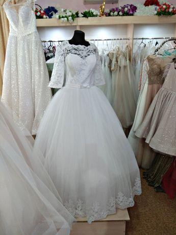 Продам новое платье 56 размера