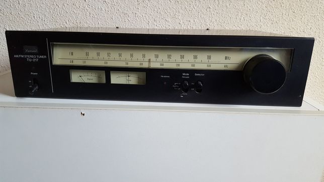 Tuner stereo Sansui TU-217 AM/FM