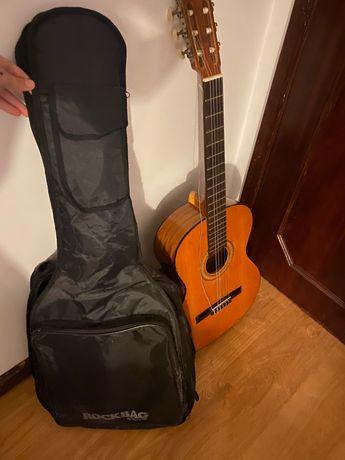 Guitarra acústica classica