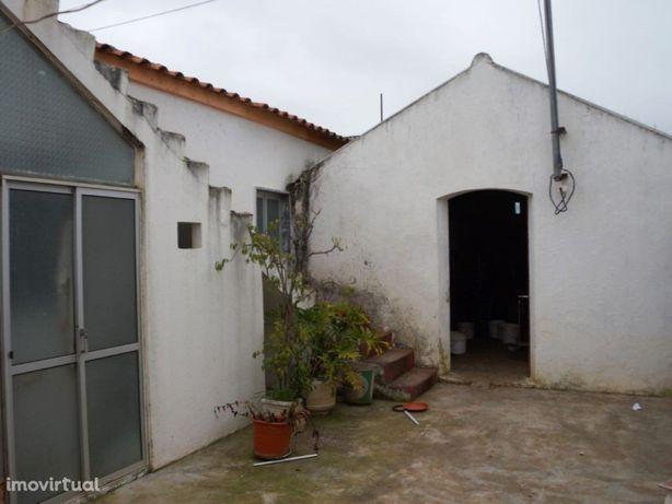 Quinta rural com casa e terreno próxima de Tavira