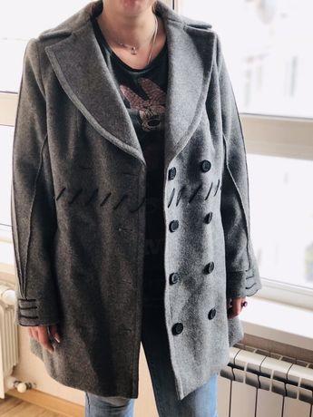 Демисезонное пальто. Размер L
