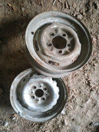 Продам в нормальном состоянии два диски R13.