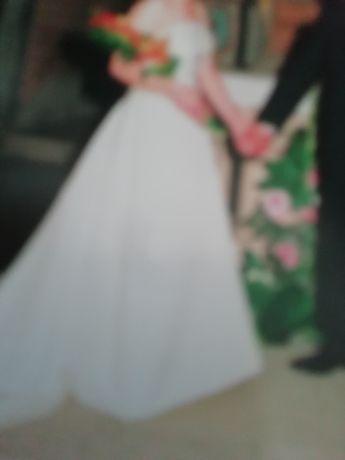 Vendo vestido de noiva do ano 2019