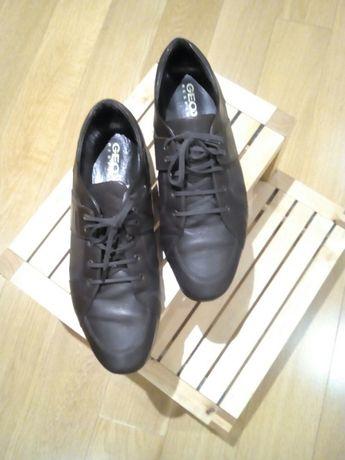 Sapatos em pele Geox