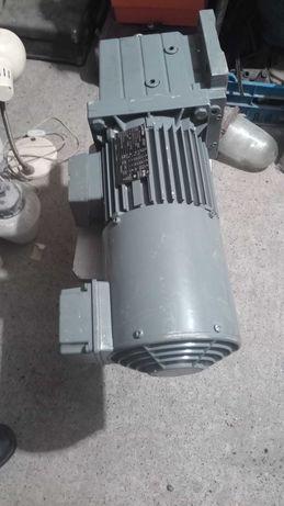 Мотор редуктор lenze